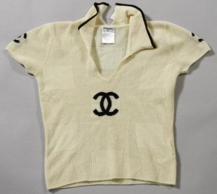 夏物の洋服もちゃんと買取してます!シャネル Tシャツ