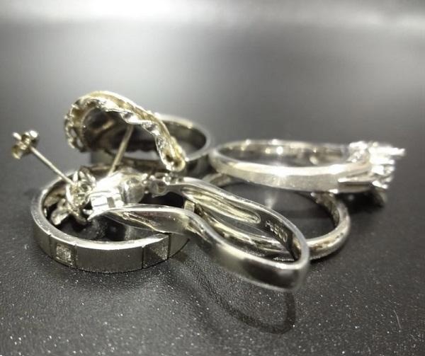 壊れたプラチナの指輪やピアス