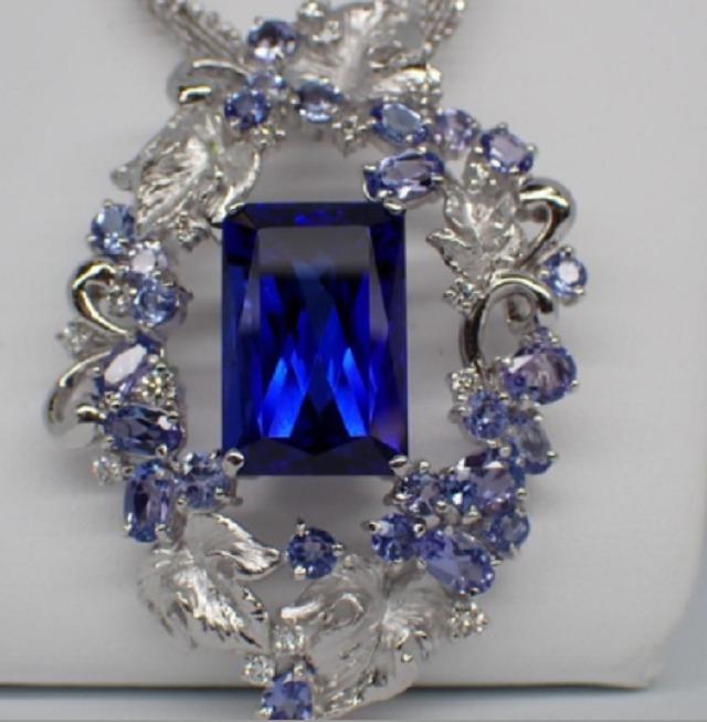 タンザナイト15.38ct/4.34ct/ダイヤモンド0.41ct Pt900/K18